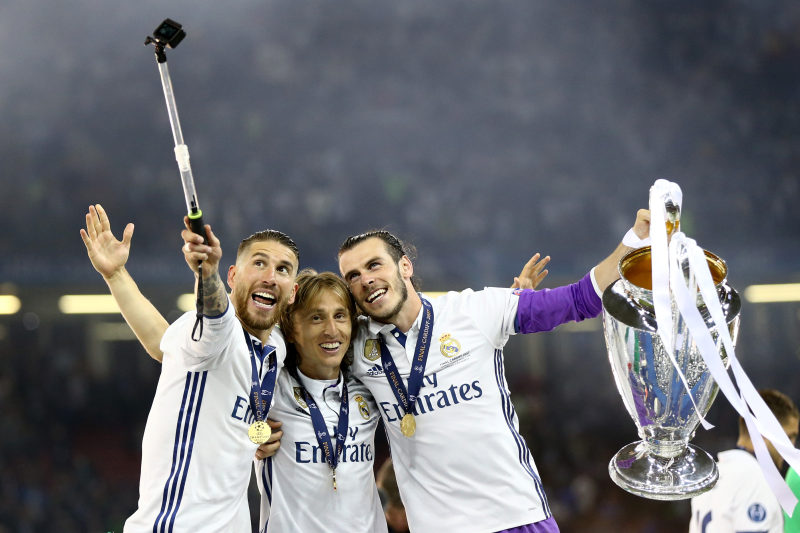 Sergio Ramos, Luka Modric and Gareth Bale of Real Madrid celebrating with the cup and takins a selfie during the UEFA Champions League Final between Juventus and Real Madrid at National Stadium of Wales on June 3, 2017 in Cardiff, Wales (Photo by Matteo Ciambelli/NurPhoto) *** Please Use Credit from Credit Field ***